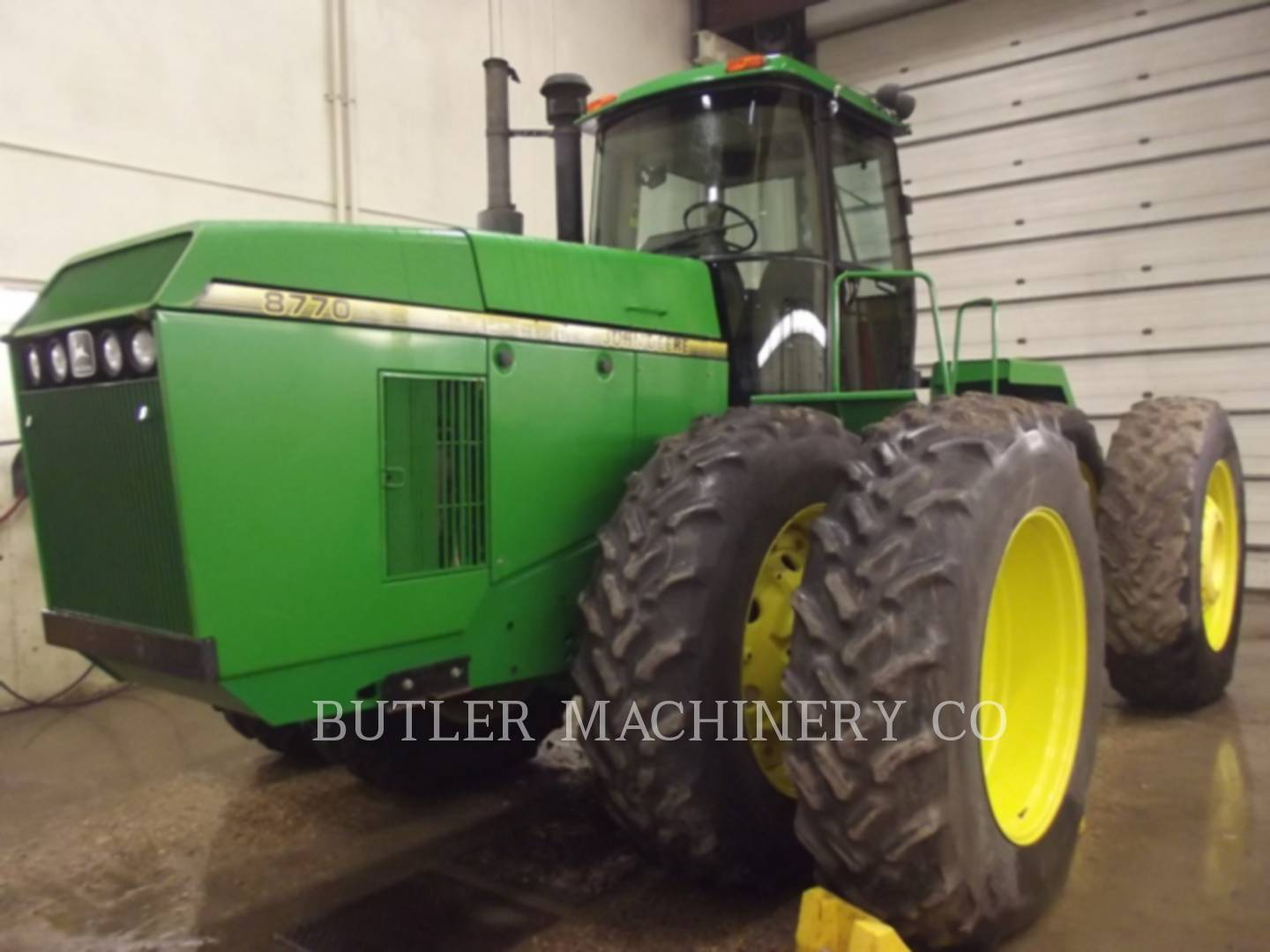 Detail photo of 1995 John Deere 8770 from Construction Equipment Guide
