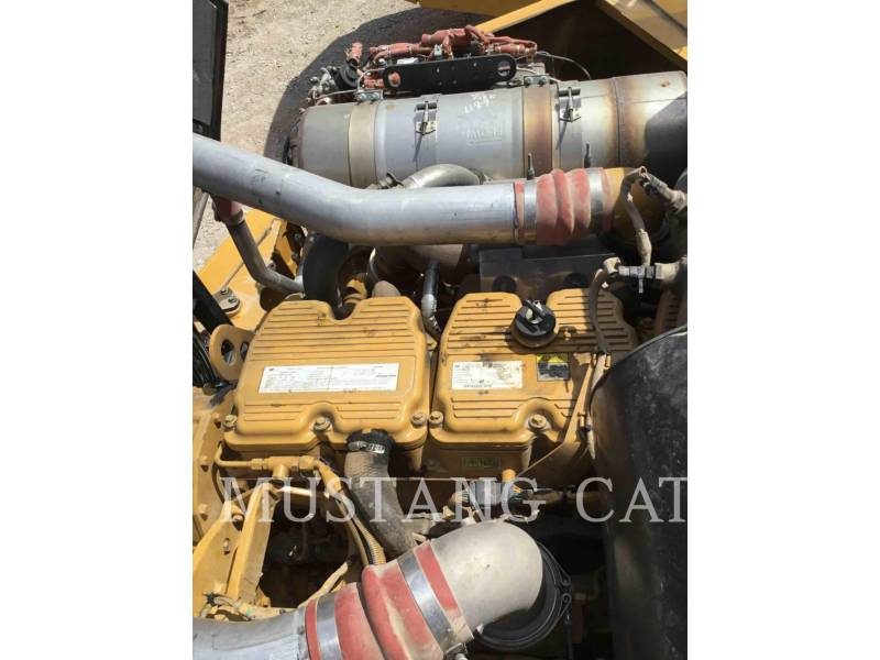 CATERPILLAR KNIKGESTUURDE TRUCKS 740B equipment  photo 8