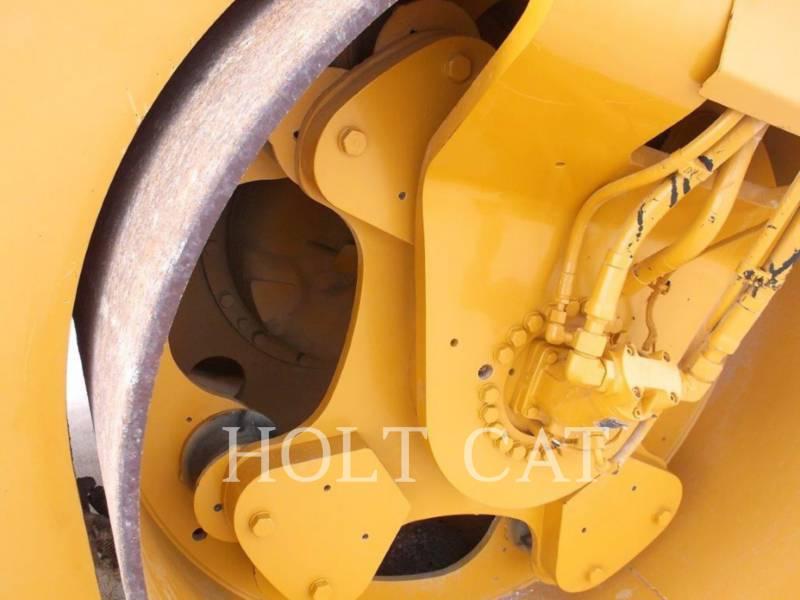 CATERPILLAR COMPACTEURS TANDEMS VIBRANTS CB-564D equipment  photo 9