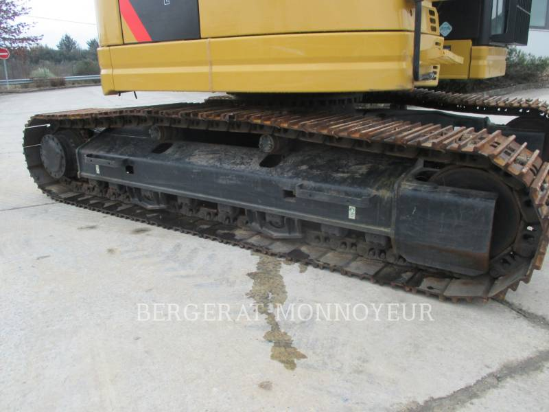 CATERPILLAR TRACK EXCAVATORS 325F CR equipment  photo 10