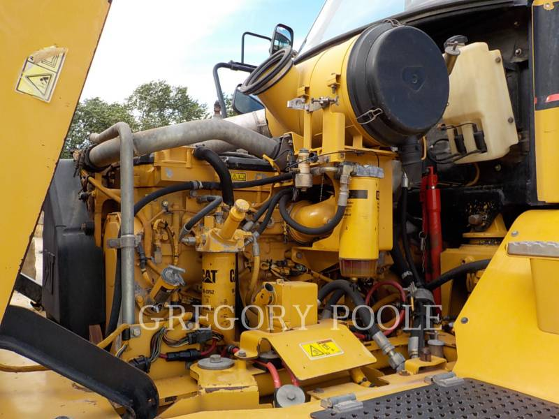 CATERPILLAR ARTICULATED TRUCKS 725 equipment  photo 16