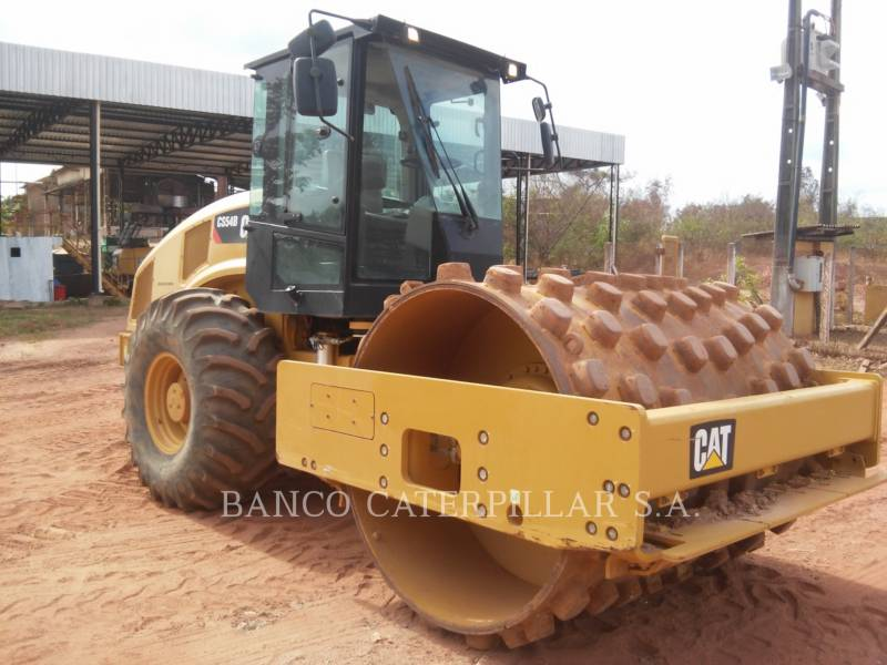 CATERPILLAR COMPACTEUR VIBRANT, MONOCYLINDRE LISSE CS54B equipment  photo 2