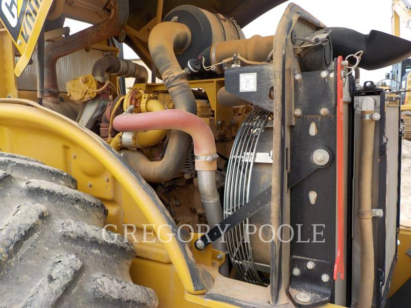 CATERPILLAR VIBRATORY SINGLE DRUM PAD CP-56B equipment  photo 20