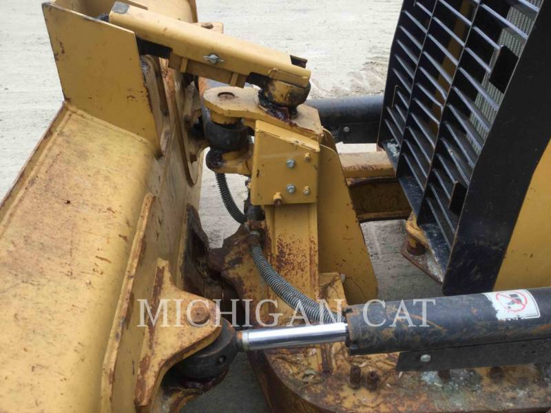 CATERPILLAR TRATTORI CINGOLATI D3K2XL equipment  photo 7