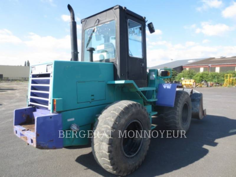 KOMATSU ÎNCĂRCĂTOARE PE ROŢI/PORTSCULE INTEGRATE WA120 equipment  photo 3