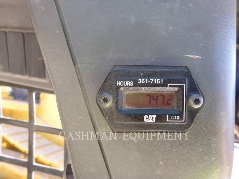 CATERPILLAR SKID STEER LOADERS 226B3 equipment  photo 11