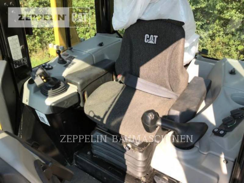 CATERPILLAR KETTENDOZER D6NXL equipment  photo 15