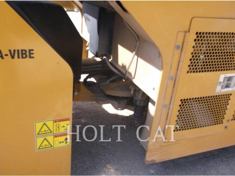 CATERPILLAR VIBRATORY DOUBLE DRUM ASPHALT CB54B equipment  photo 9