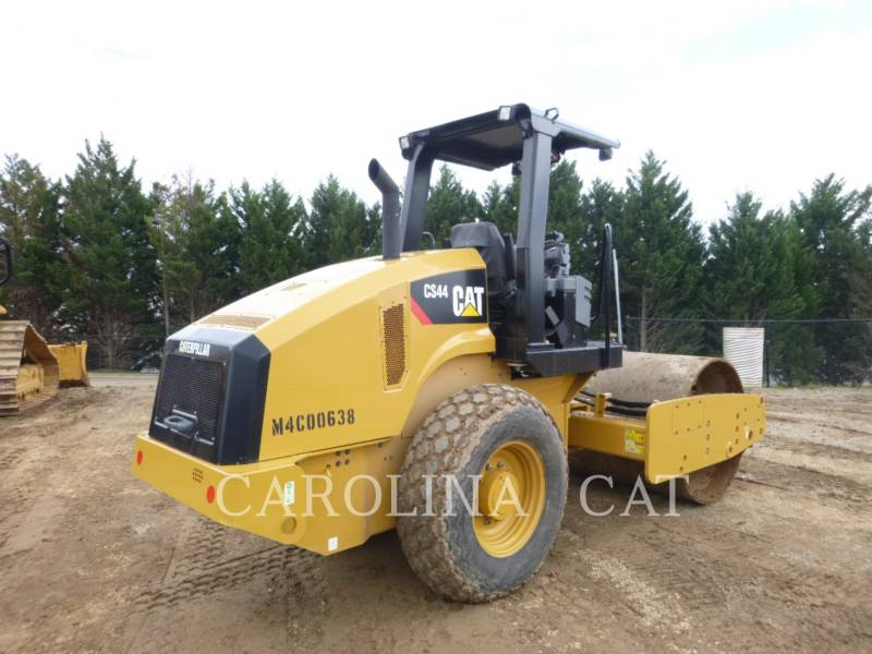 CATERPILLAR VIBRATORY TANDEM ROLLERS CS44 equipment  photo 2