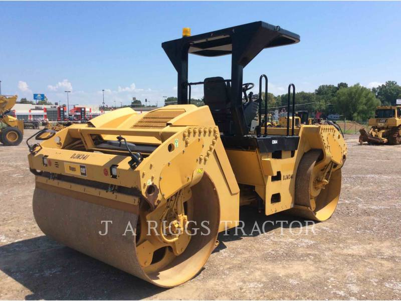 CATERPILLAR TRILLENDE DUBBELE TROMMELASFALTEERMACHINE CB64 equipment  photo 7