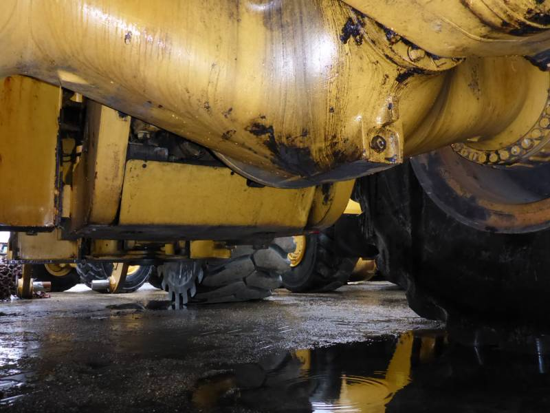 CATERPILLAR CARGADORES DE RUEDAS 990H equipment  photo 15