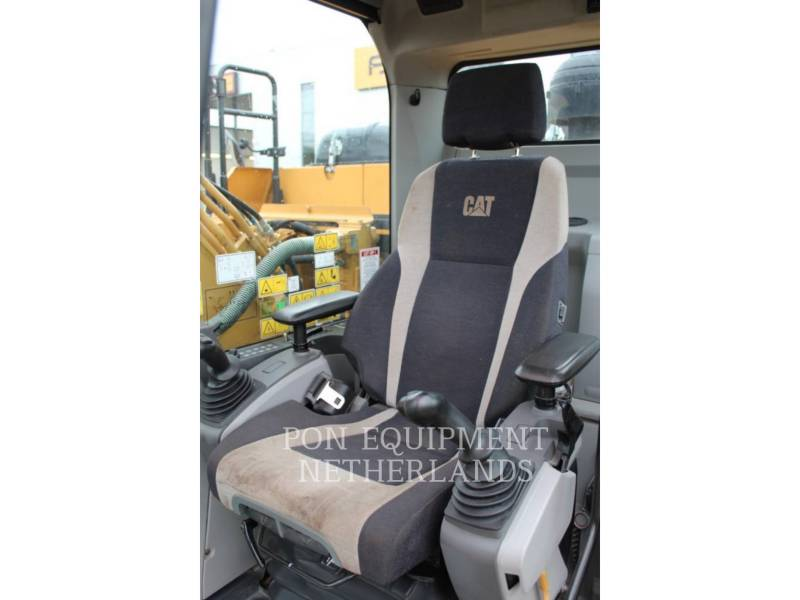 CATERPILLAR TRACK EXCAVATORS 323 EL equipment  photo 8