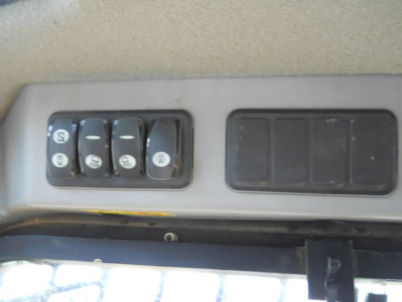 CATERPILLAR MULTI TERRAIN LOADERS 289D equipment  photo 20