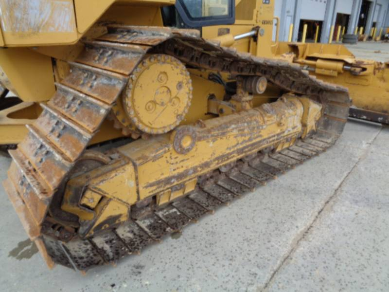 CATERPILLAR TRACK TYPE TRACTORS D6NLGP equipment  photo 16