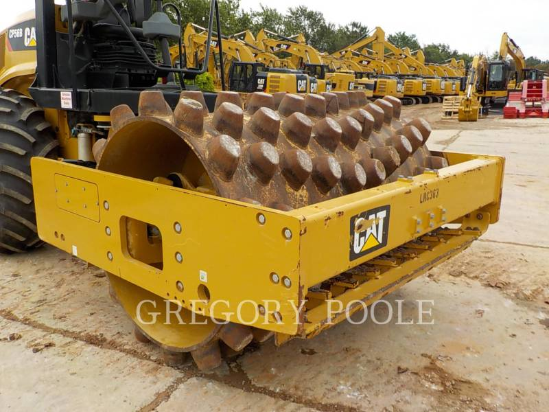 CATERPILLAR COMPACTEUR VIBRANT, MONOCYLINDRE À PIEDS DAMEURS CP-56B equipment  photo 6