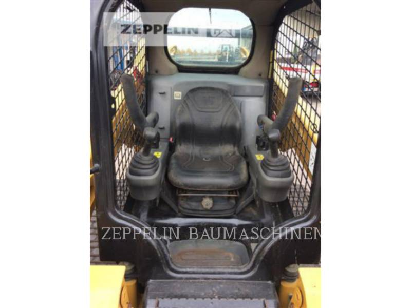 CATERPILLAR SKID STEER LOADERS 257D equipment  photo 20