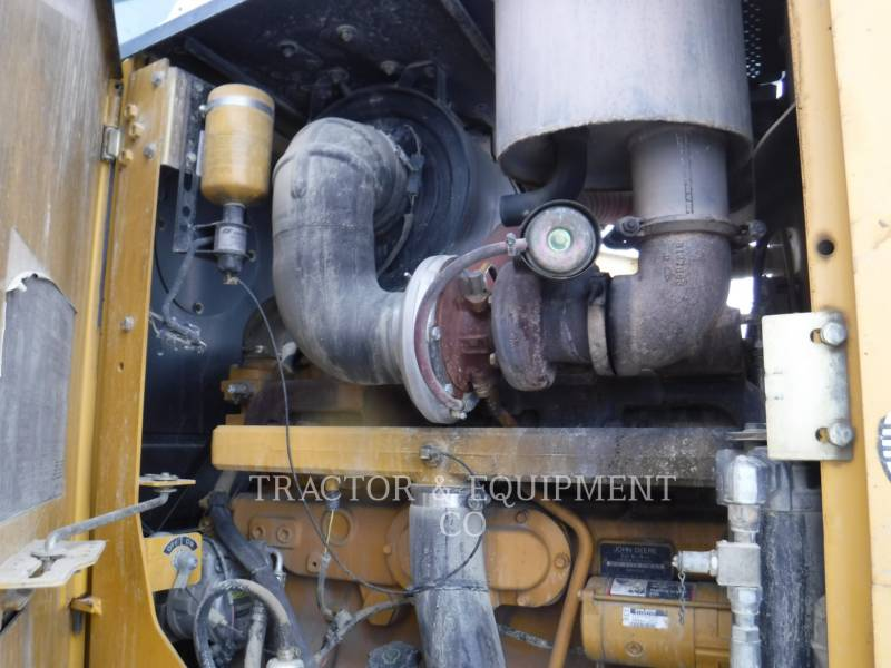 JOHN DEERE MOTOR GRADERS 772D equipment  photo 13