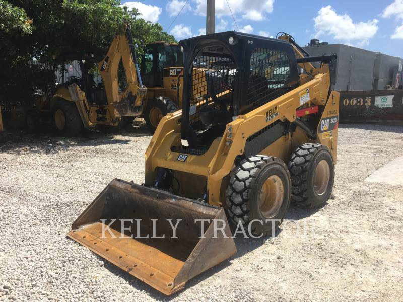 CATERPILLAR MINICARGADORAS 242 D equipment  photo 1