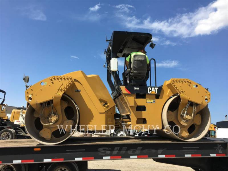 CATERPILLAR TANDEMVIBRATIONSWALZE, ASPHALT CB64 R9 equipment  photo 1