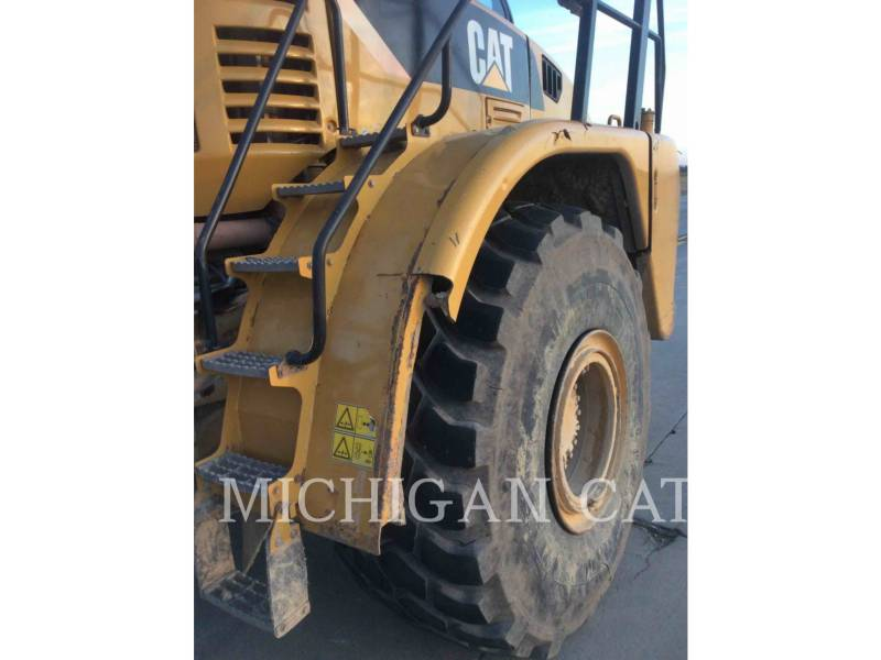 CATERPILLAR KNICKGELENKTE MULDENKIPPER 740 T equipment  photo 10