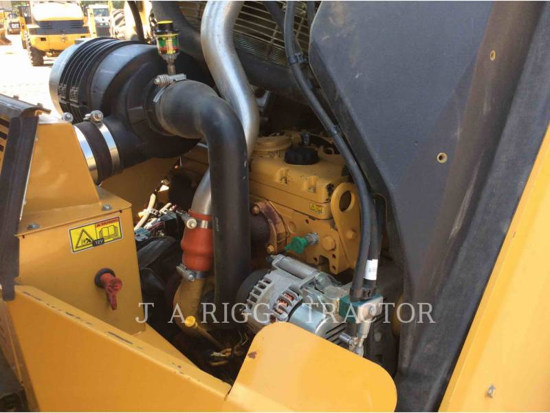 CATERPILLAR TANDEMOWY WALEC WIBRACYJNY DO ASFALTU (STAL-STAL) CB64 equipment  photo 24
