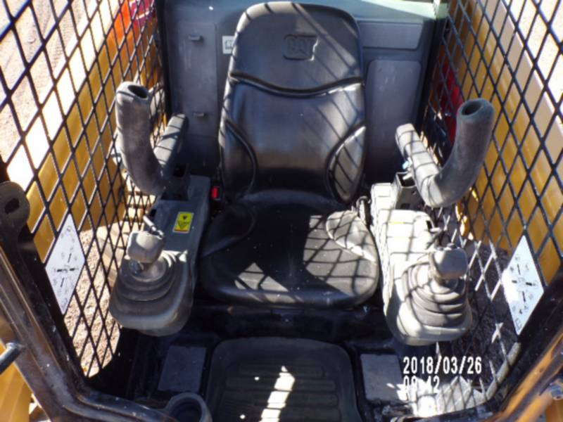 CATERPILLAR CHARGEURS COMPACTS RIGIDES 246D equipment  photo 9