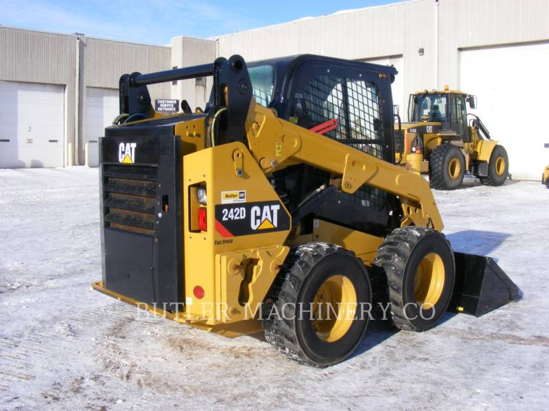 CATERPILLAR CHARGEURS COMPACTS RIGIDES 242 D equipment  photo 4