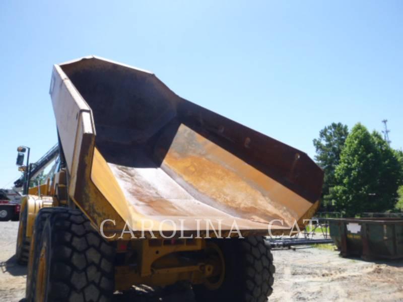 CATERPILLAR KNICKGELENKTE MULDENKIPPER 740 B equipment  photo 6