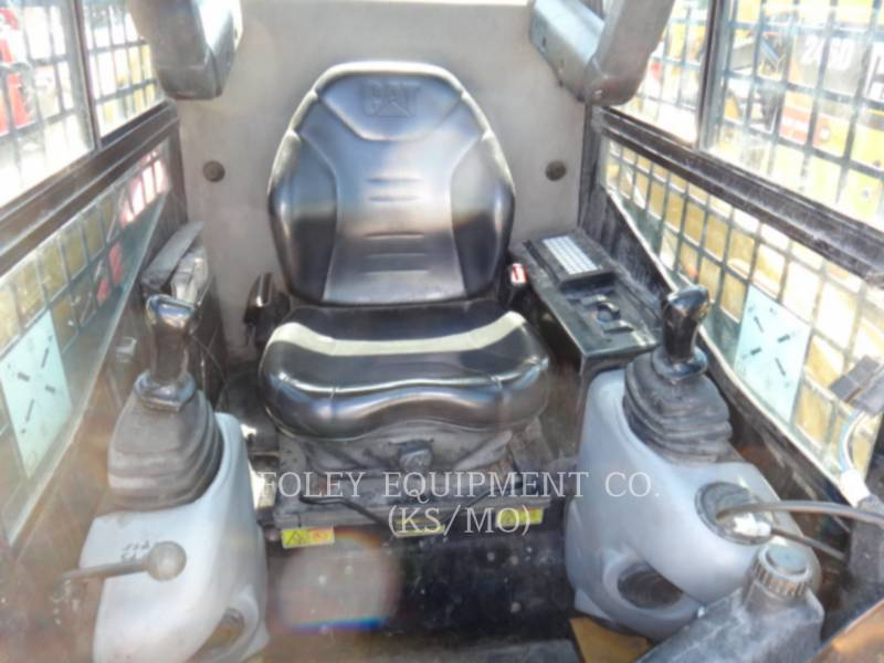 CATERPILLAR SKID STEER LOADERS 226B2 equipment  photo 5