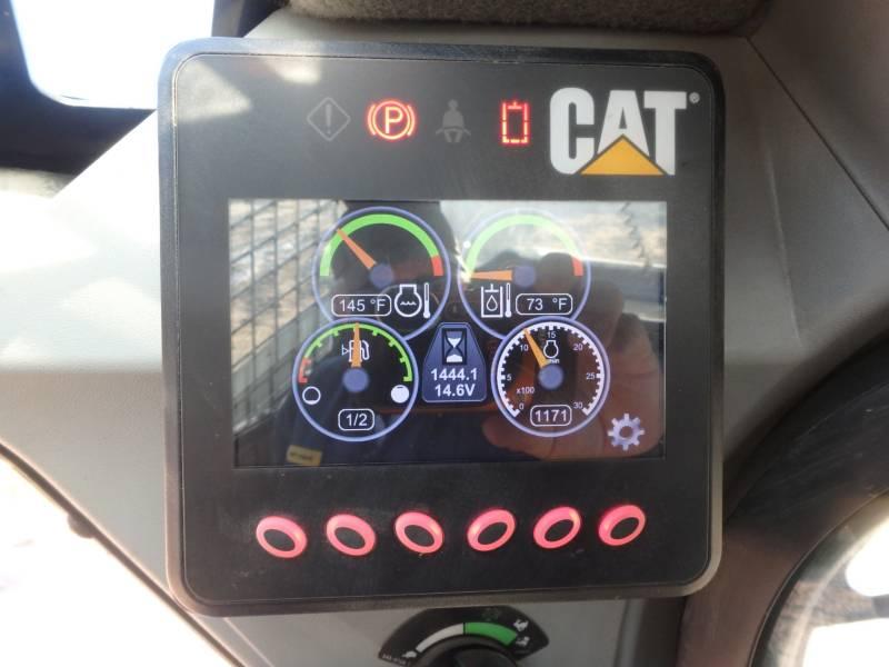 CATERPILLAR SKID STEER LOADERS 262D equipment  photo 8