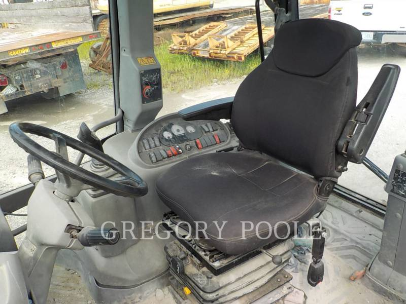 VOLVO BACKHOE LOADERS BL70 equipment  photo 21