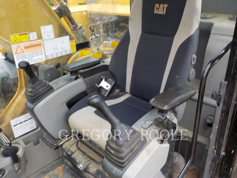 CATERPILLAR TRACK EXCAVATORS 329EL equipment  photo 24
