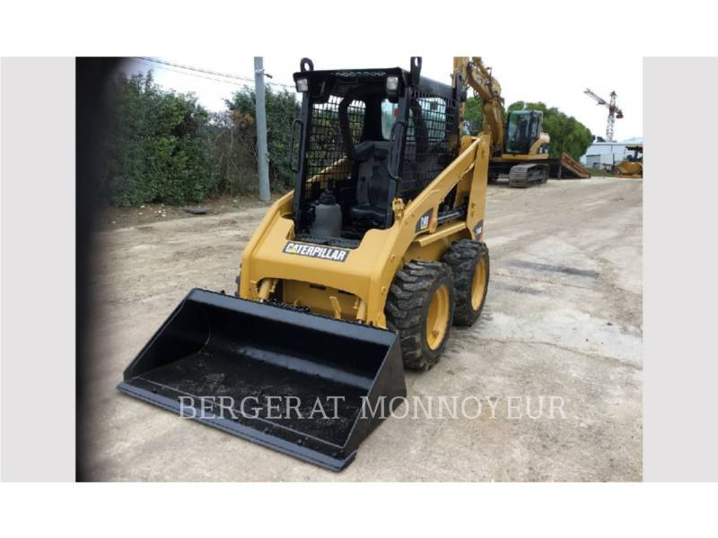 CATERPILLAR CHARGEURS COMPACTS RIGIDES 216B3 equipment  photo 2