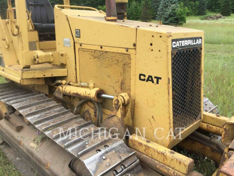 CATERPILLAR TRACK TYPE TRACTORS D3C equipment  photo 12