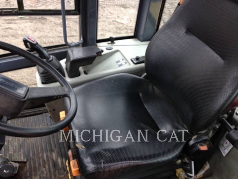 KOMATSU WHEEL LOADERS/INTEGRATED TOOLCARRIERS WA95-3 equipment  photo 5
