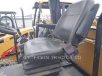 CATERPILLAR EINZELVIBRATIONSWALZE, BANDAGE CP44 equipment  photo 5