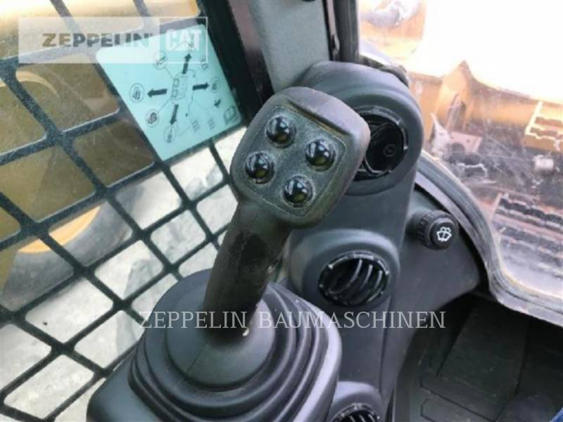 CATERPILLAR PALE COMPATTE SKID STEER 246D equipment  photo 17