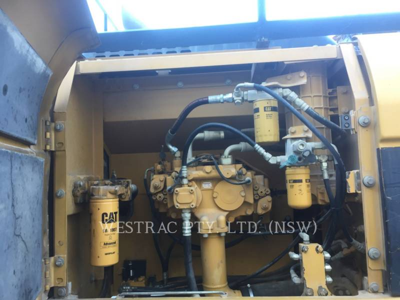 CATERPILLAR TRACK EXCAVATORS 329DL equipment  photo 15