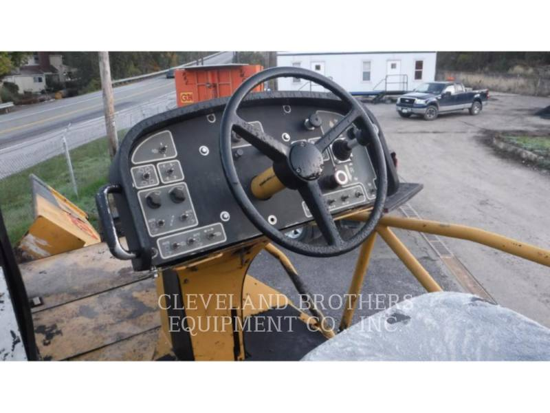 CATERPILLAR ASFALTATRICI AP-655C equipment  photo 5