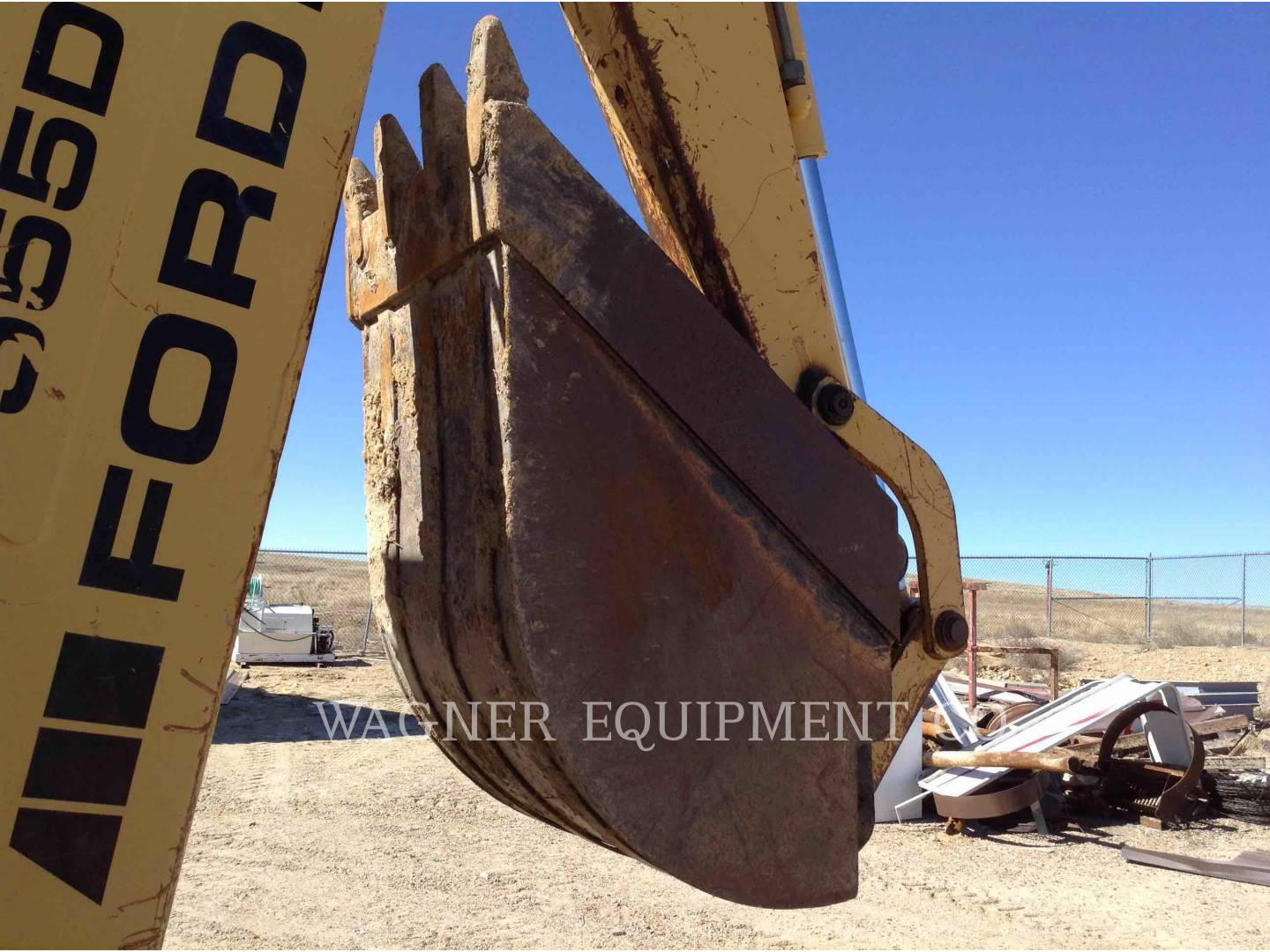 Detail photo of 1997 New Holland 555 from Construction Equipment Guide