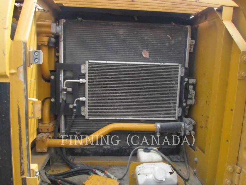 CATERPILLAR TRACK EXCAVATORS 320CL equipment  photo 16