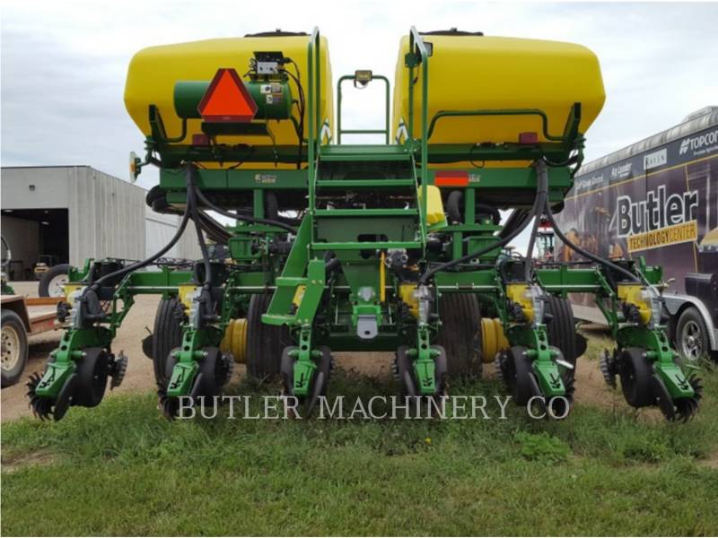 DEERE & CO. PLANTING EQUIPMENT DB60 equipment  photo 5