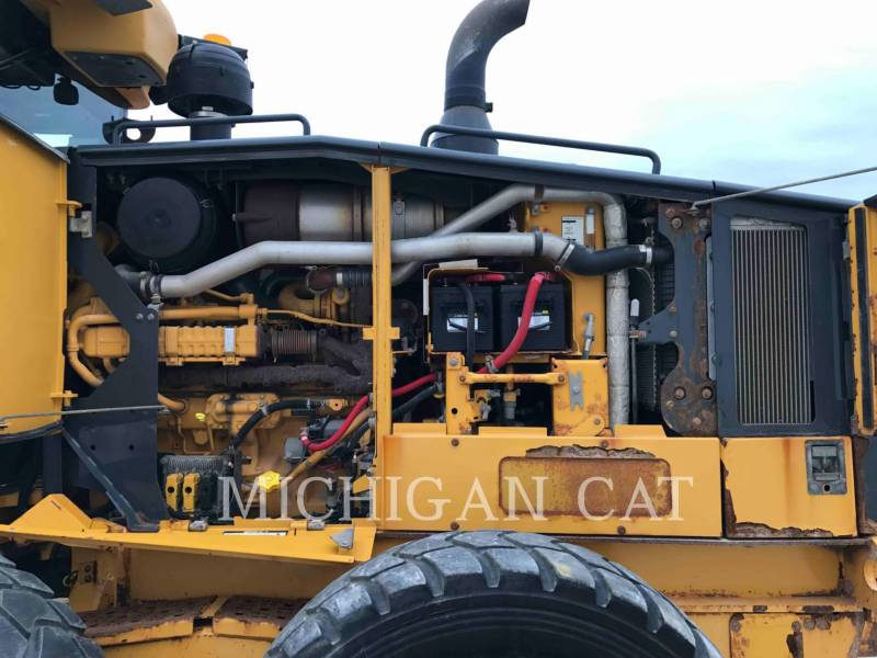 JOHN DEERE MOTOR GRADERS 772G equipment  photo 11