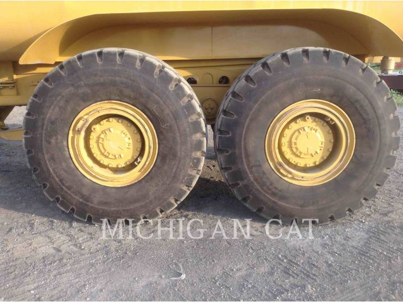 CATERPILLAR CAMIONES DE AGUA 725 WW equipment  photo 20
