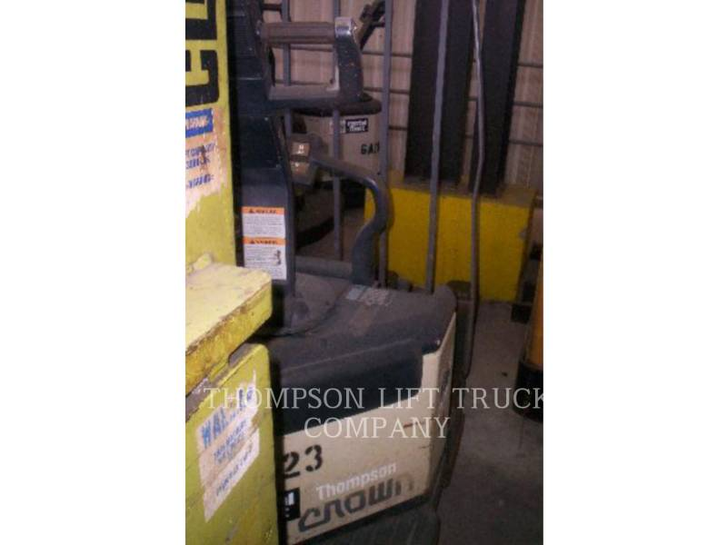 CROWN FORKLIFTS PE3540 equipment  photo 1