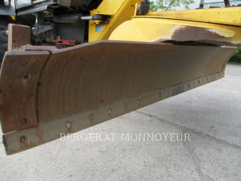 NEW HOLLAND MOTONIVELADORAS 106.6A equipment  photo 13