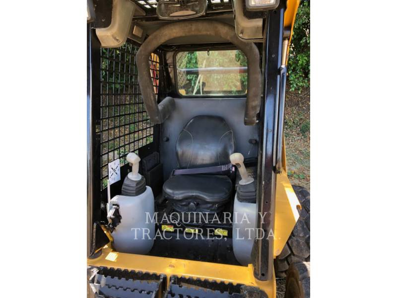 CATERPILLAR PALE COMPATTE SKID STEER 242B2 equipment  photo 4