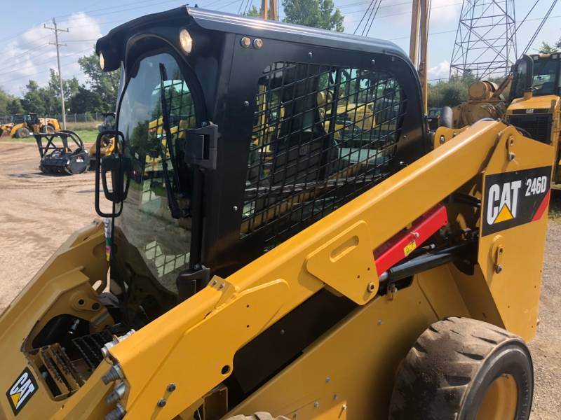 CATERPILLAR PALE COMPATTE SKID STEER 246 D equipment  photo 14