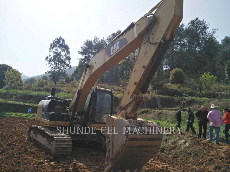 CATERPILLAR EXCAVADORAS DE CADENAS 323D2L equipment  photo 1