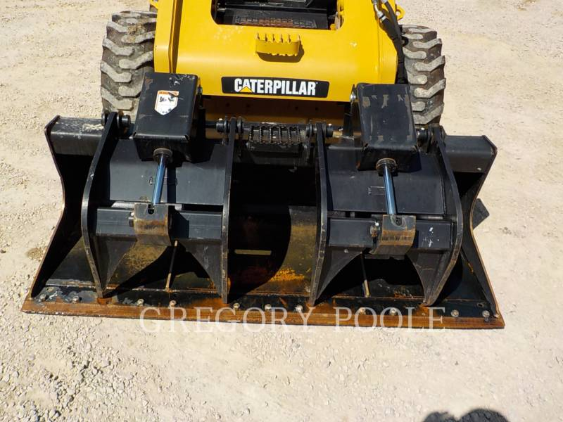 CATERPILLAR SKID STEER LOADERS 246C equipment  photo 7